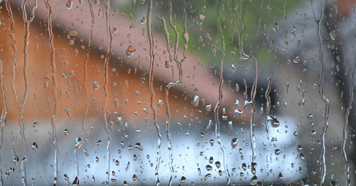 pluie sur fenêtres