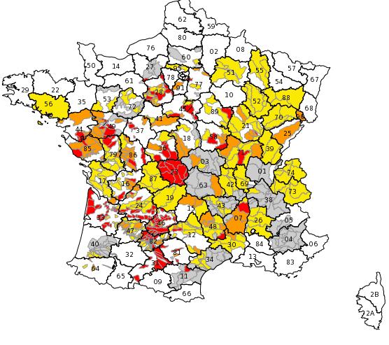 Carte des arrêtés au 27/07/2015. Restrictions par zones d'alertes. Source Propluvia